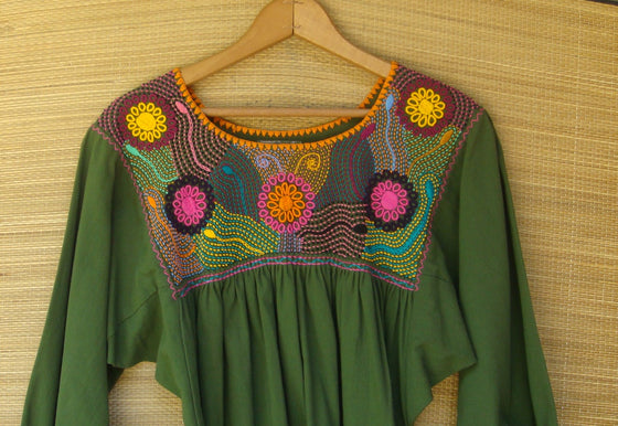 Mexican Blouse Huipil Olive Green Multicolor Embroidered Flowers XS/Small