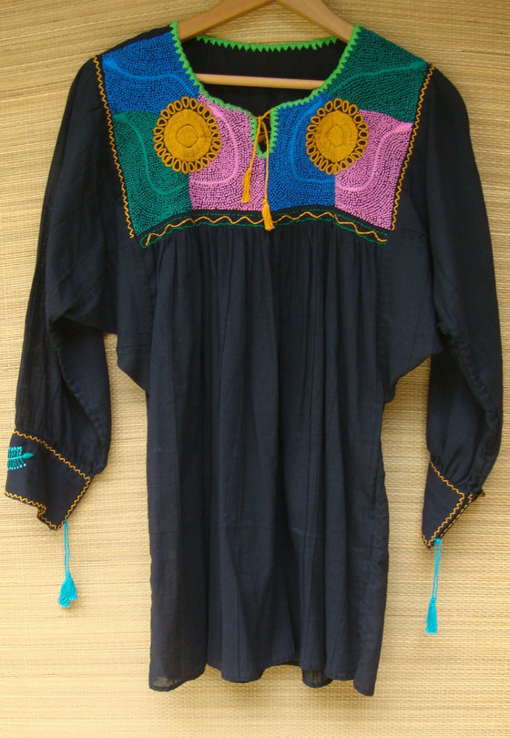 Mexican Blouse Huipil Black Peasant Multicolor Embroidered Flowers XS/Small