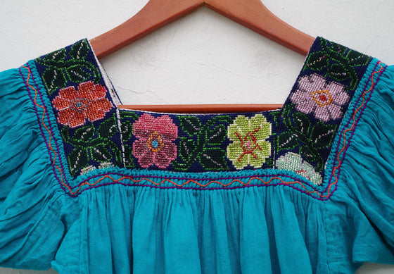 Girl's 5-6 years Mexican Huipil Peasant Blouse true Vintage Embroidered Blue