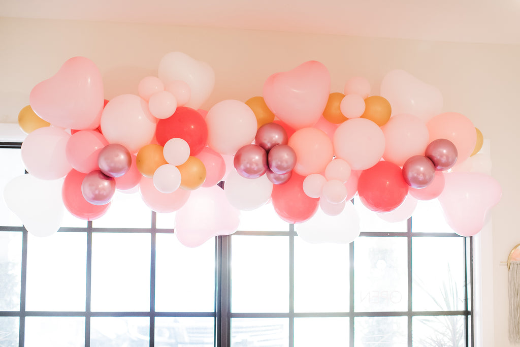 balloon garland palm beach party