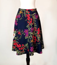 Knee Length SnapSkirt [Navy Floral]