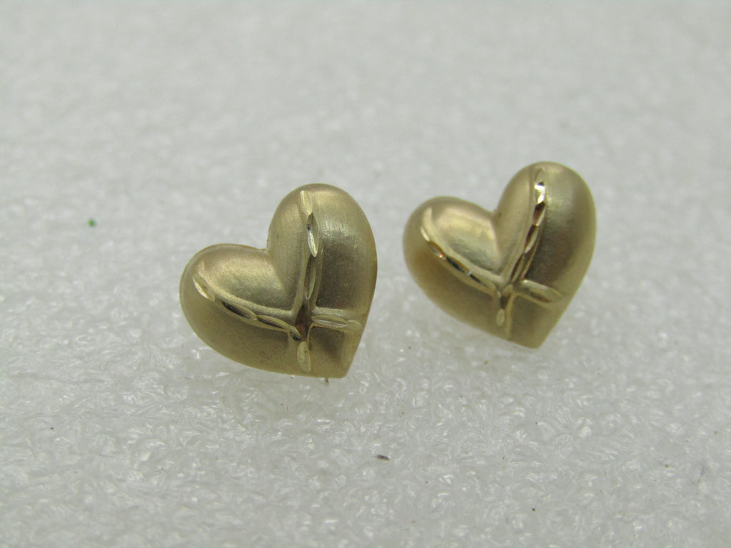Vintage 14kt Heart Stud Earrings,  Signed JCM, Diamond Cut Accents