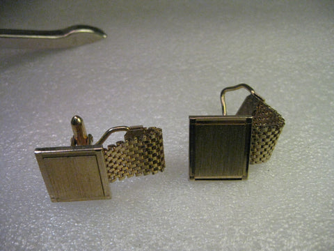 Cuff Links, Vintage, Goldtone, 1970's, Connected Woven Accent, Engraveable