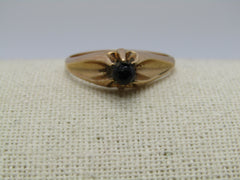 Victorian 10kt  Black Glass Stone, Size 11, Unisex, 3.59 grams, late 1800's, Signed