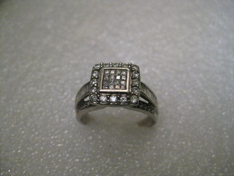 Vintage 14kt Diamond Engagement, 1+CTW Halo, size 8.5, weight 6.15 grams, 16 diamond in center, 18 in halo plus more