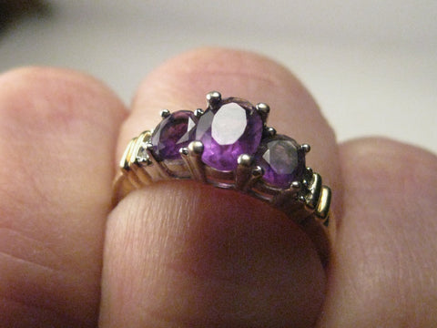 10kt Triple Oval Amethyst & Diamond Ring, sz. 7.75, 2.53 gr.