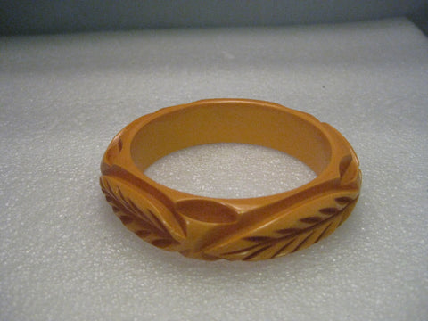 "Vintage Bakelite Carved Bangle Bracelet - Butterscotch Leaf Pattern, 3/4"" wide, 7/.75"""