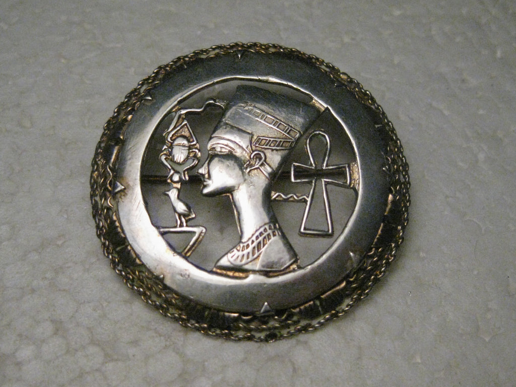 "Vitorian Egyptian Revival Brooch Queen Nefertiti, Beetle, Ankh Sterling Silver/Gold Wash, 1.5"", 11.05gr."
