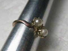 Vintage 14kt Gold Double 4.5mm Pearl Ring, size 7.5, Signed Trade Mark