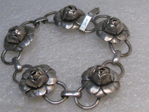 "Vintage Coro Cabbage Rose Bracelet, 1940's. 7.25"", 5 Links, 24.30 grams"