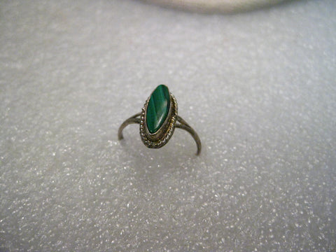 Sterling Silver Southwestern Malachite Pointed Oval Ring, Size 5.5, 1.64 grams