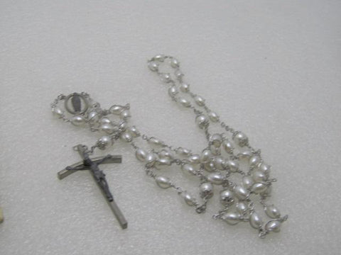 "Vintage Wrapped Pearl Rosary, 1960's, 25"" - Faux pearls"