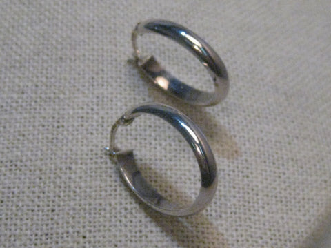"Sterling Silver Oval Hoop Earrings, Pierced, 1"", 3.8mm wide, signed A, 2.01 grams"