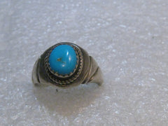 1970's Southwestern Sterling Silver Turquoise Ring, size 8.5, 5.14 grams.