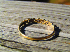 Vintage 10kt Hugs & Kisses Ring, X O Band, Size 6.75, Two-Tone, .86 Grams
