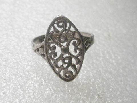 Vintage Sterling Silver Oval Heart Filigree Ring, sz. 7.5