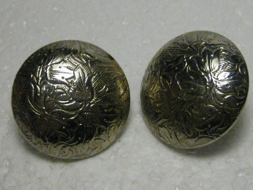 Vintage 1970's/80's Goldtone Round Domed, Floral Stamped Clip earrings - 1/25""