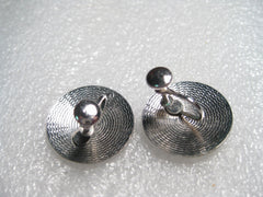 Vintage Silvertone Round Leaf Design Button Screwback Earring