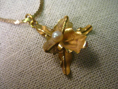 "Vintage 18kt  Gold Orchid Pendant with 5 mm Pearl on 22"" 18kt Gold Serpentine Chain Necklace"