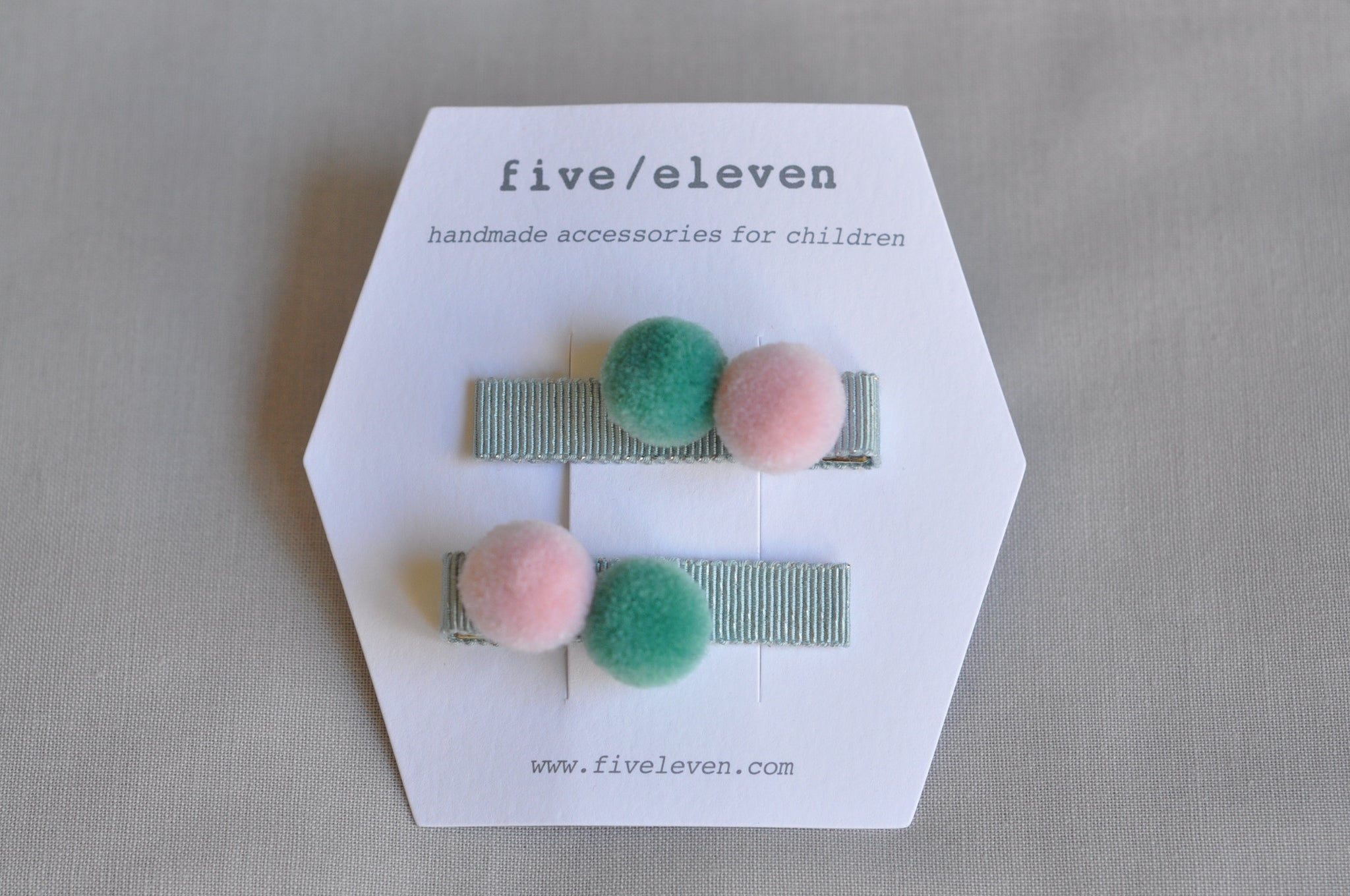 Introducing three new pompoms clips : the Sailor, Lilac and Mint poms