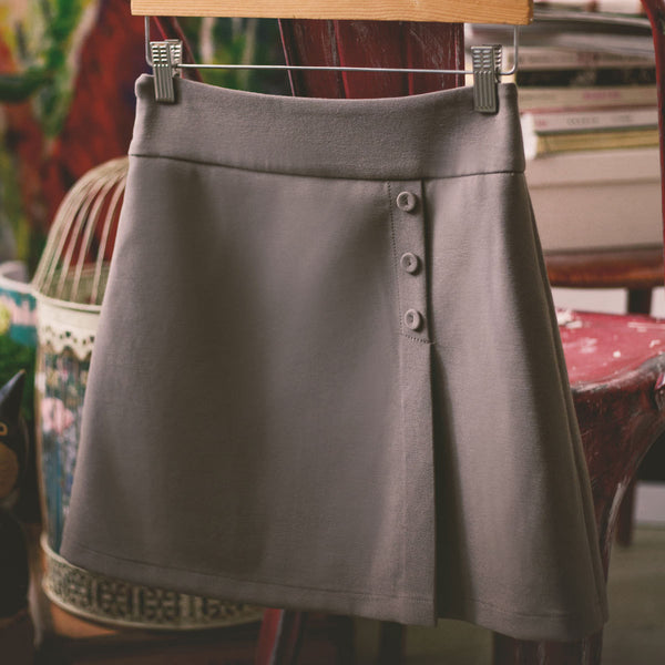 Korean fashion(&Japanese) Simple A word Button skirt