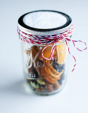 Homemade Mason Jar Gifts: Mulled Wine Spices in a Jar