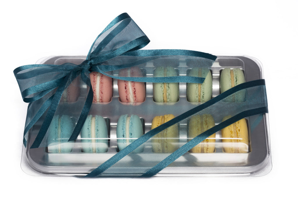 Silver tray of 12 macarons, Assortment A
