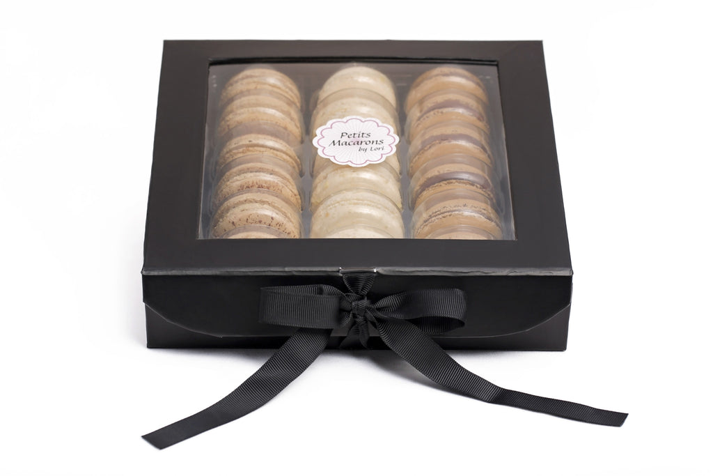 Black gift box of 18 macarons, Assortment A