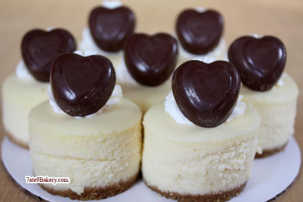 7ate9 Bakery Mini Valentine Cheesecakes