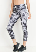 Load image into Gallery viewer, Womens - CAMO Highwaist Capri Leggings - Bottoms - TWOTHREE