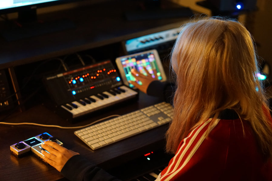 How Tangelene Bolton Writes Additional Music for Netflix's Brainchild and Nickelodeon using Palette Gear in her Music Production