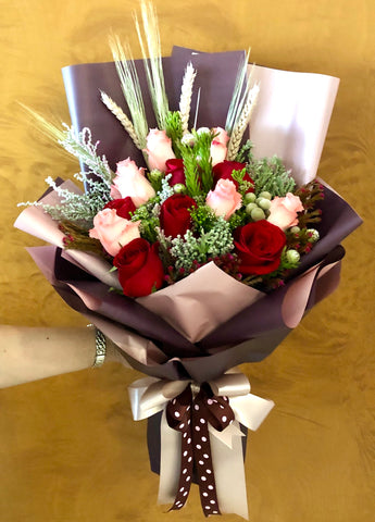 Cheap Roses hand bouquet