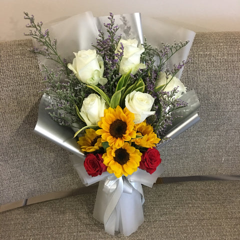 Sunflower and Roses Hand Bouquet Singapore | Flower Delivery Singapore | Florist Singapore