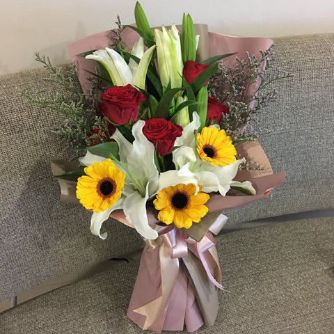 Lily Hand Bouquet Singapore | Flower Delivery Singapore | Florist Singapore