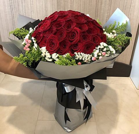 Roses Hand Bouquet Singapore | Mother's Day Hand Bouquet | Flower Delivery Singapore | Florist Singapore