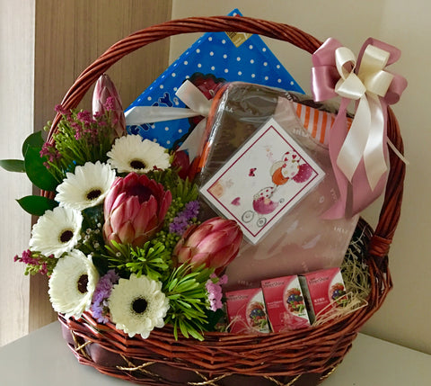 Baby Gifts Singapore | Newborn Hamper Delivery Singapore | Mum & Baby Gifts