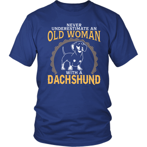 Shirt-Never Underestimate an Old Woman With a Dachshund ccnc003 dg0048