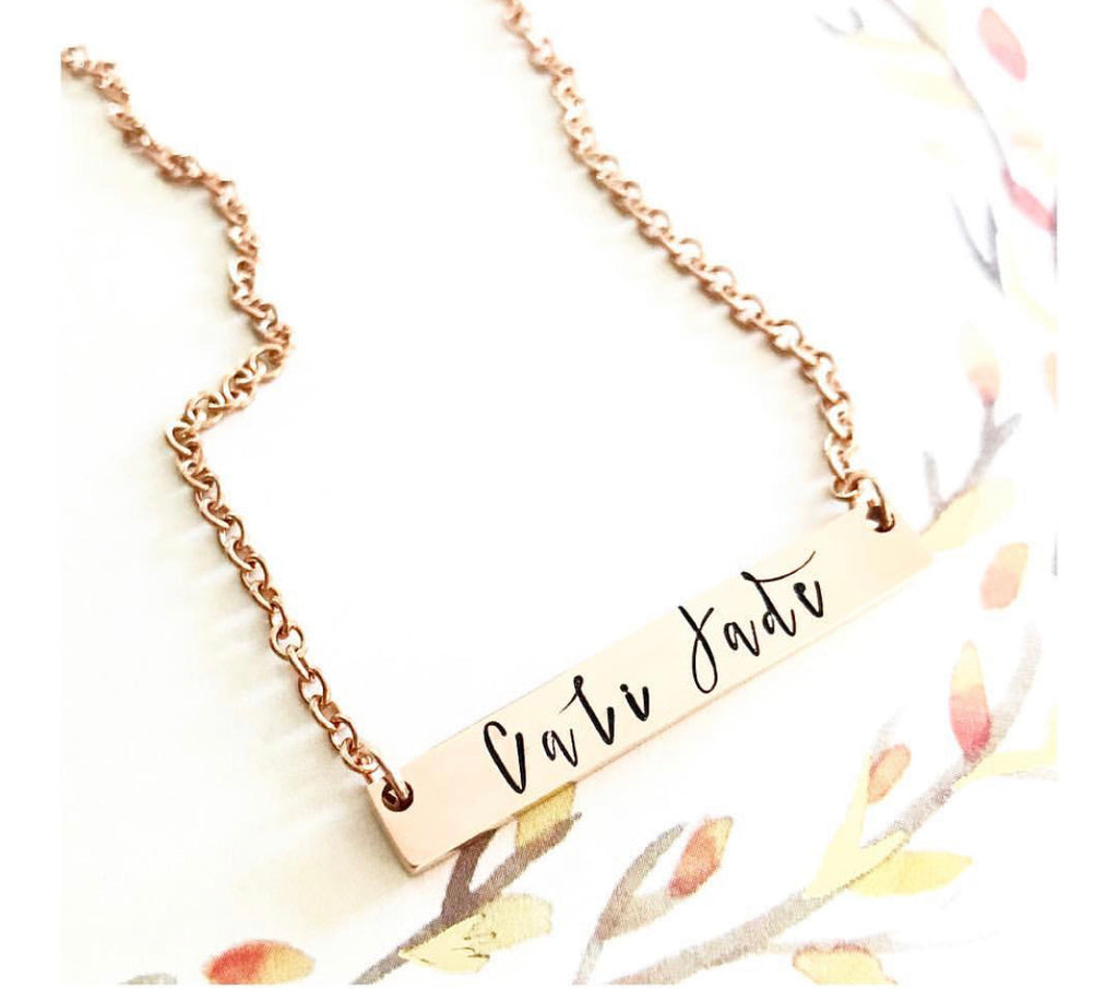 THICK BAR IN GOLD NECKLACE