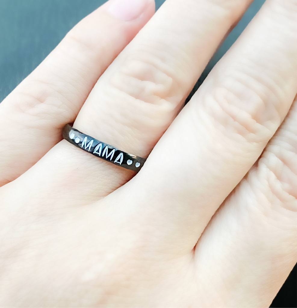 STACKABLE RING IN BLACK
