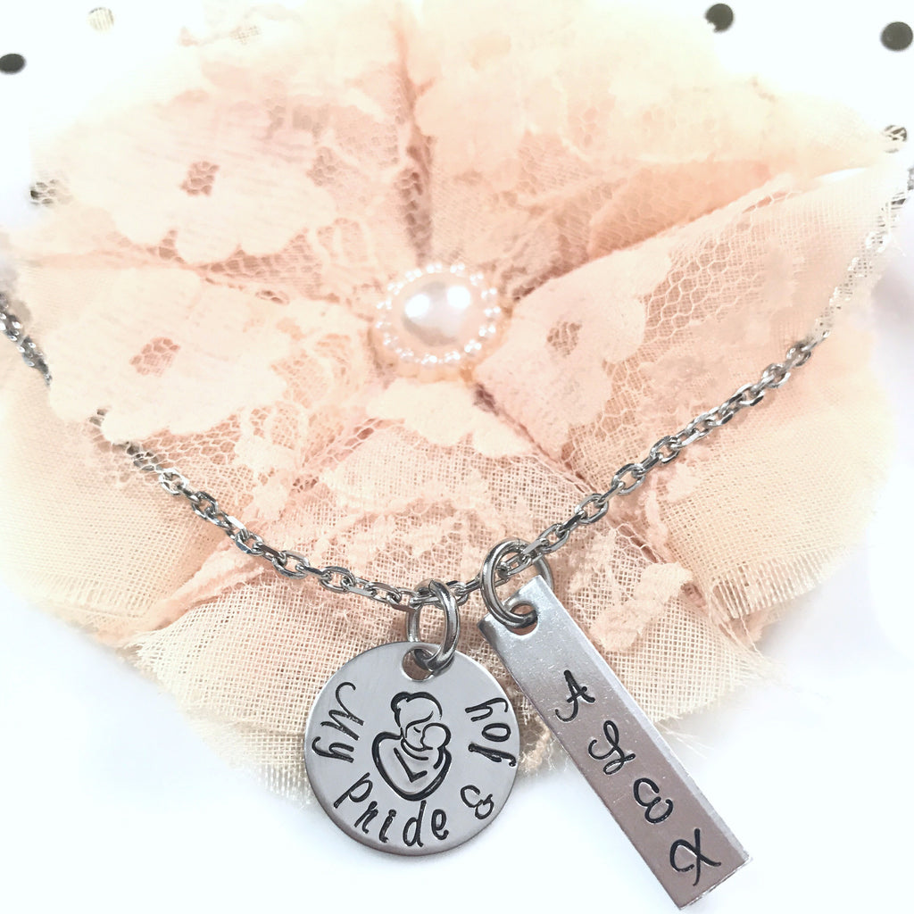 MOMS LOVE NECKLACE