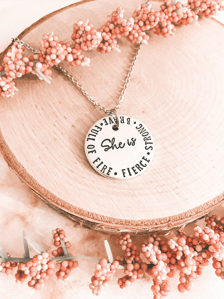 SHE IS-NECKLACE