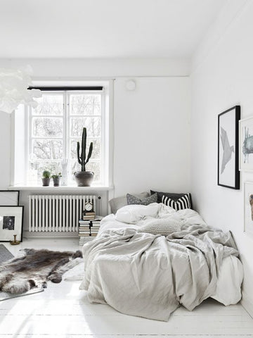 Using white & neutral colours to maximise small bedroom spaces