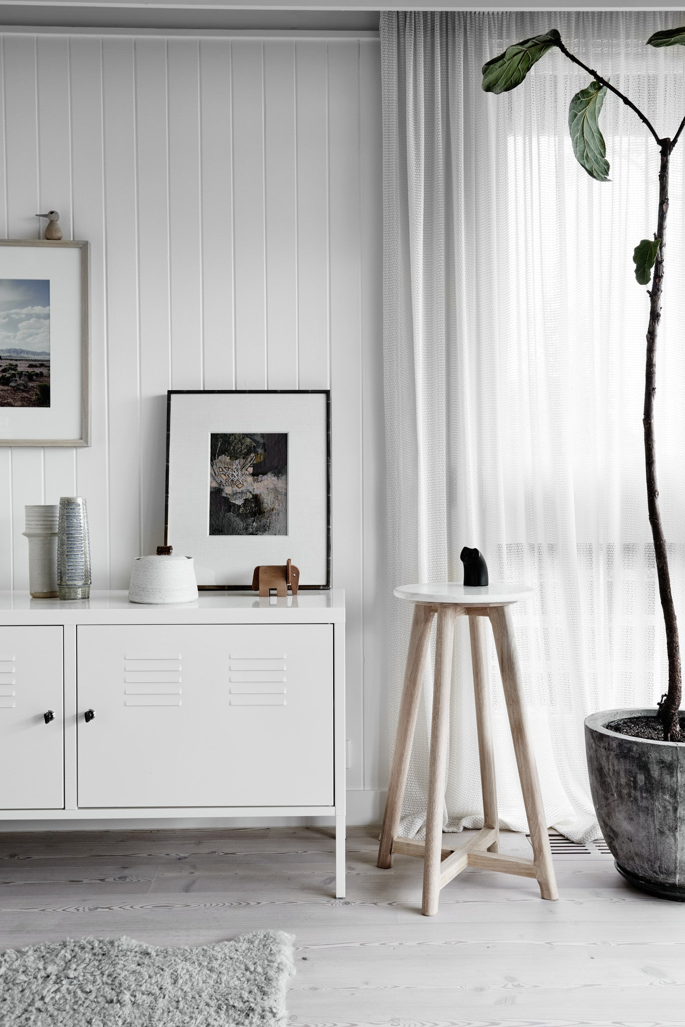 White Round Marble Stool As A Side Table