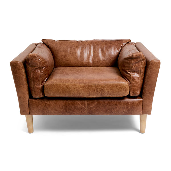 CHESTER FEATURE ARMCHAIR