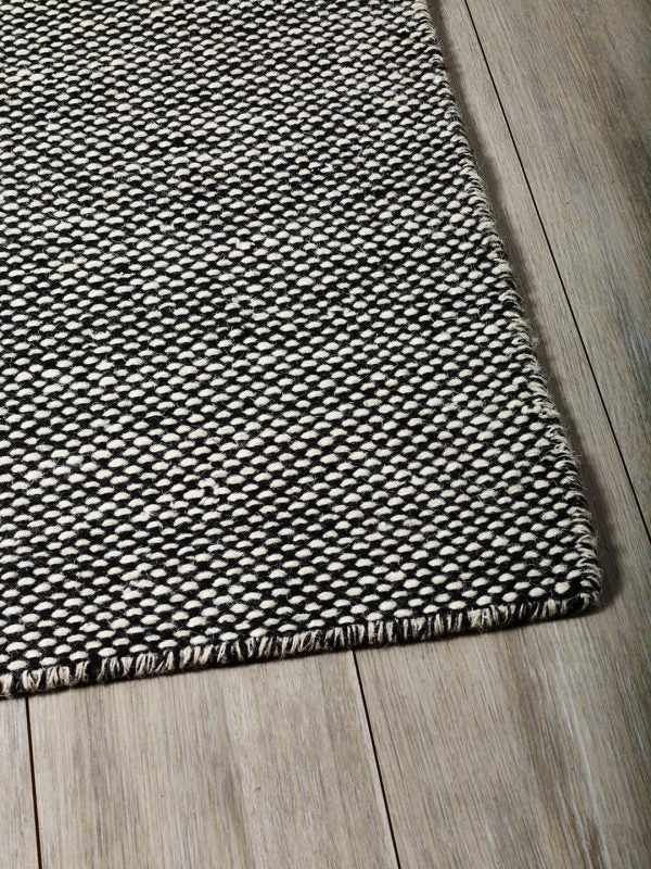 Black & Beige Durable Flatweave Subi Rug