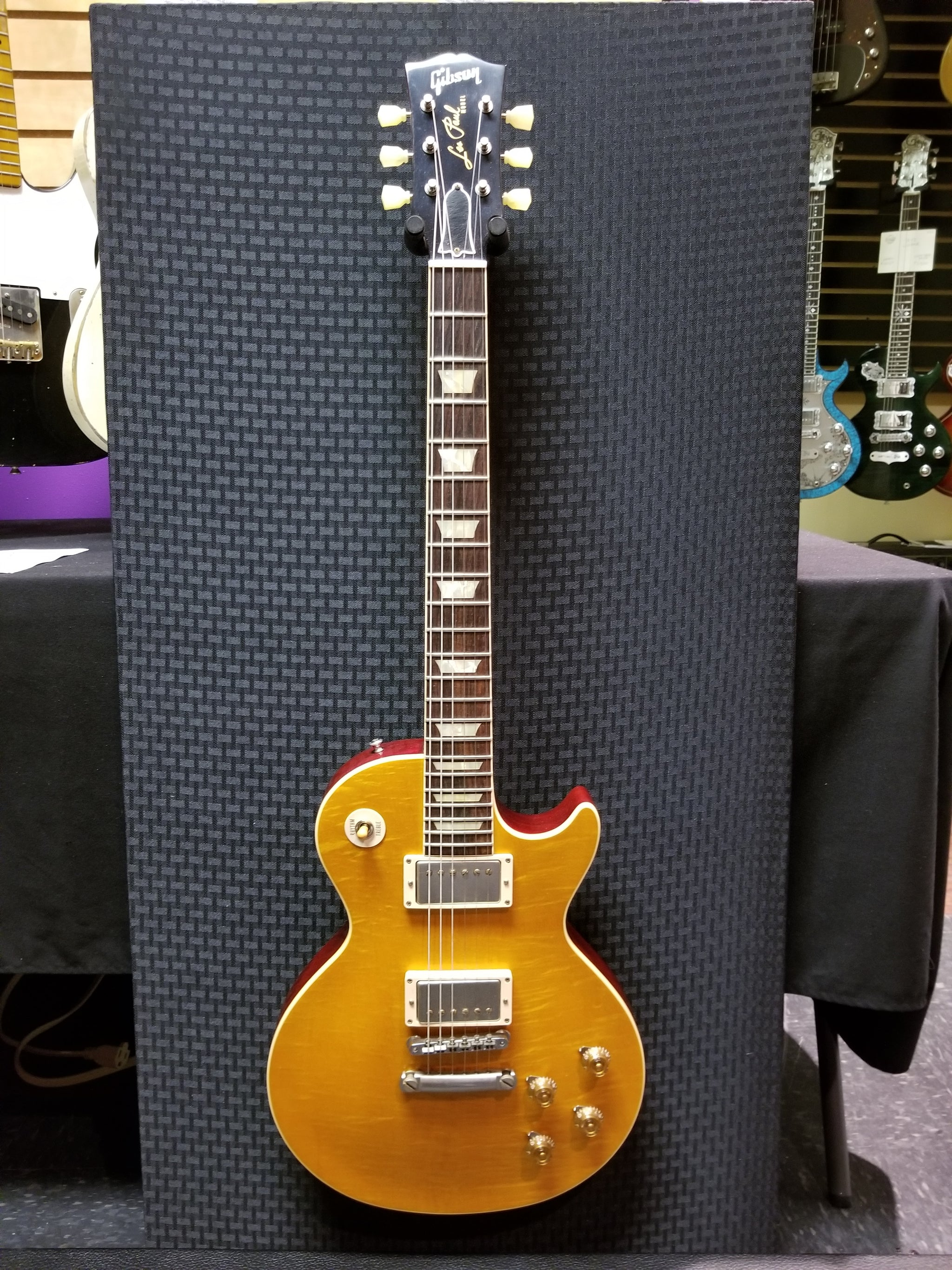 ****SOLD**** Gibson Les Paul R8