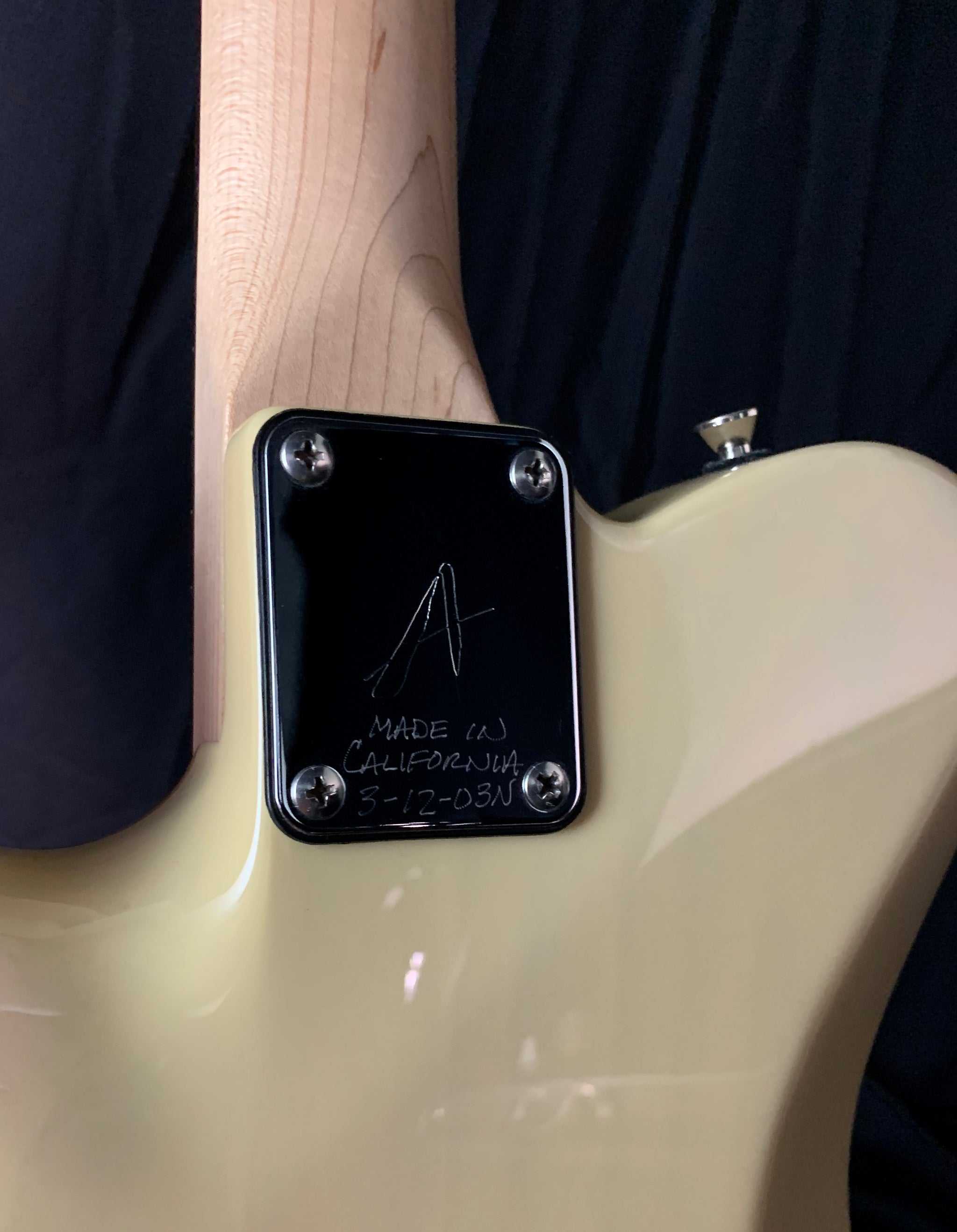 **** SOLD **** 2003 Tom Anderson Hollow T Drop Top
