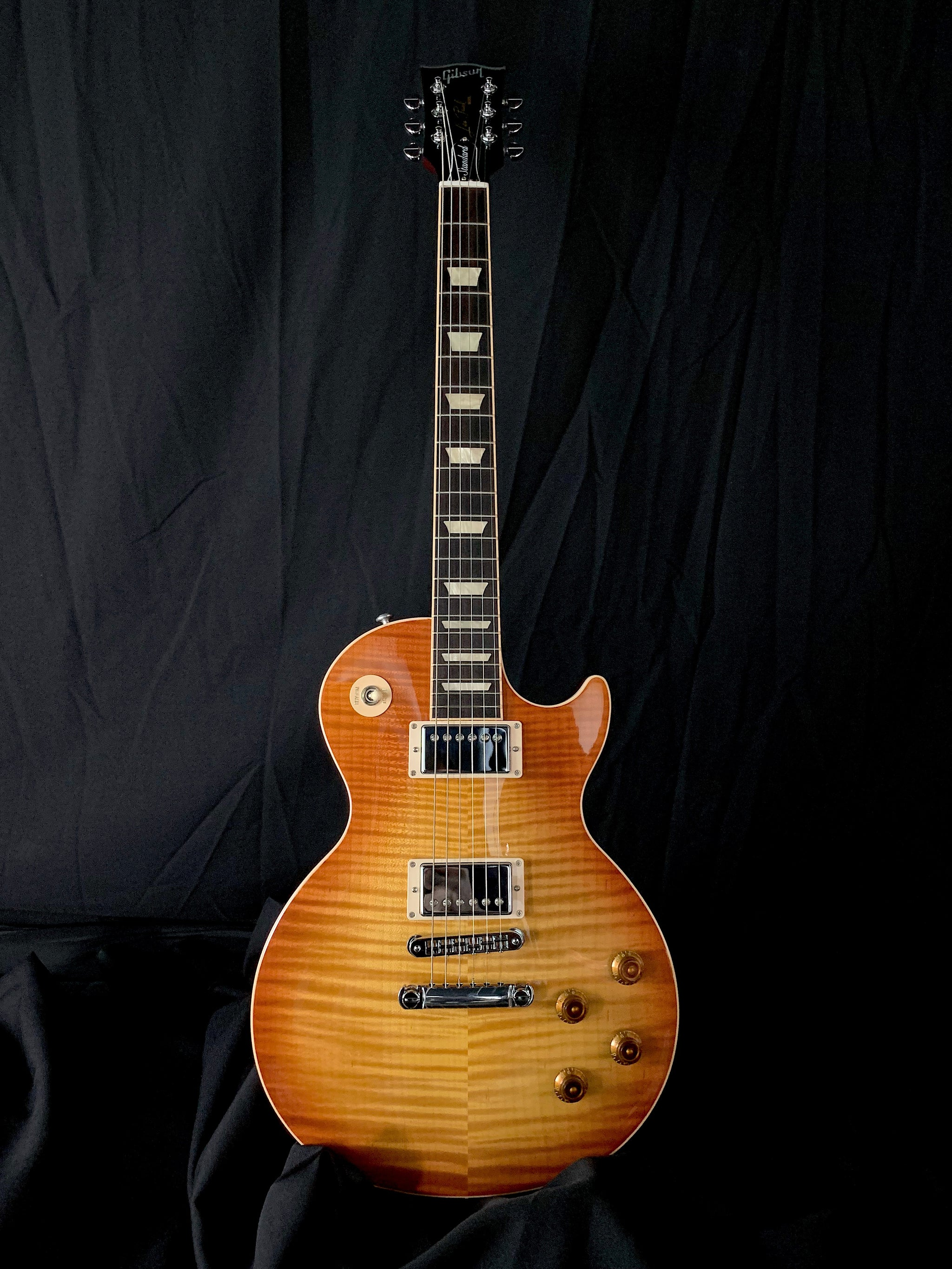 **** SOLD **** 2016 Gibson Les Paul Standard Premium Plus