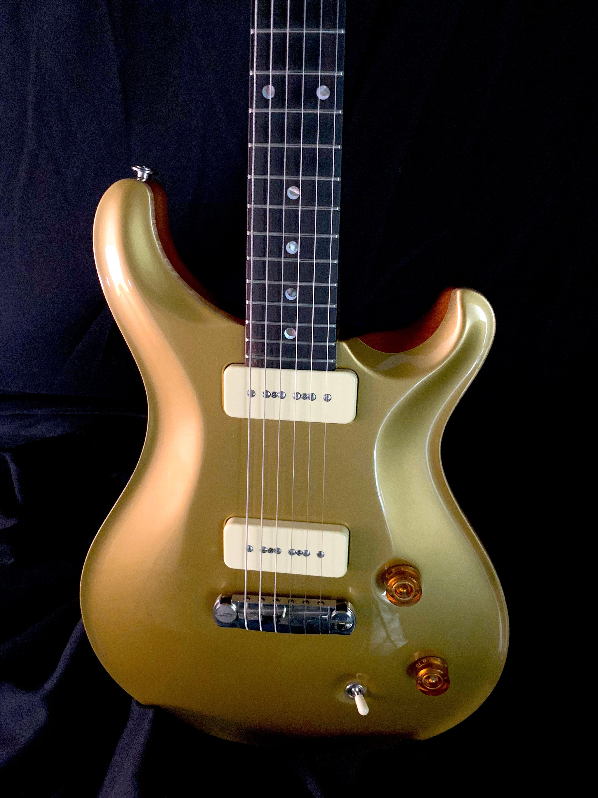 **** SOLD **** 1999 PRS McCarty Gold Top