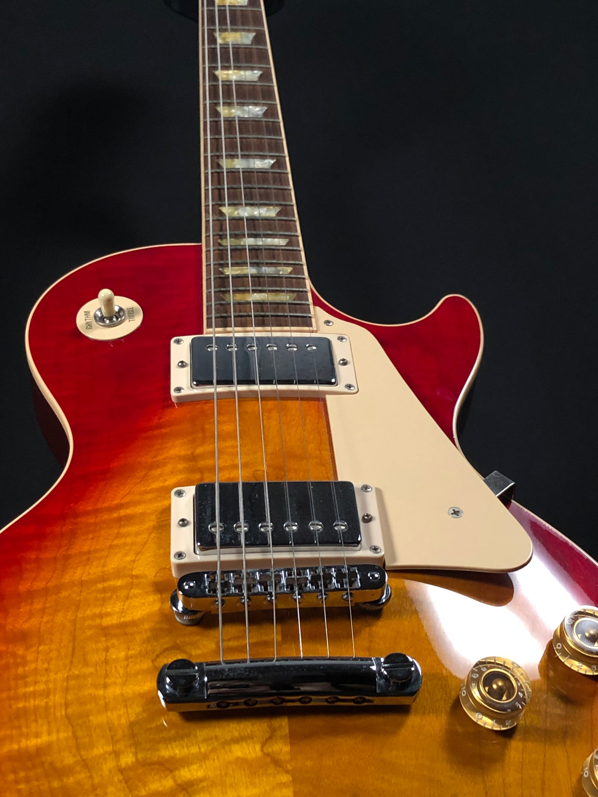 **** SOLD **** 1993 Gibson Les Paul Standard - Cherry Sunburst